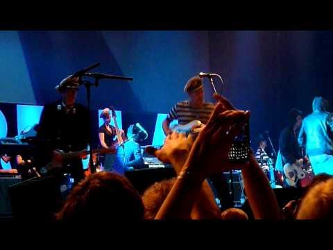 Gorillaz - Clint Eastwood - live @Berlin Velodrom 21. Nov 2010